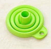 1 Pcs Mini Silicone Gel Foldable Collapsible Style Funnel Hopper Kitchen Cooking Tools